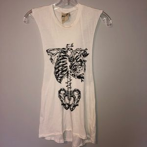 Tops - Graphic Muscle Tee